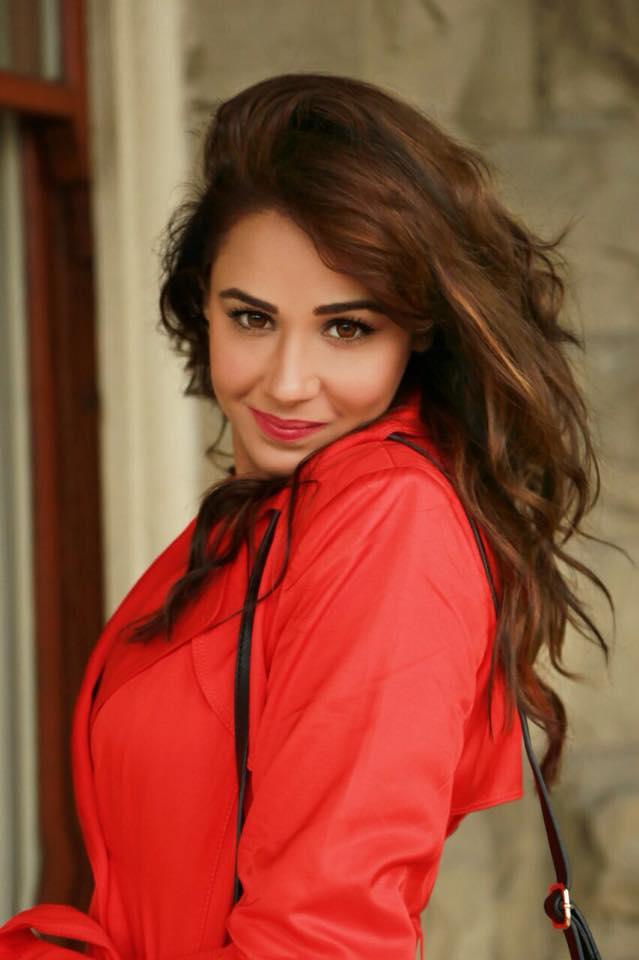 Mandy Takhar 2017
