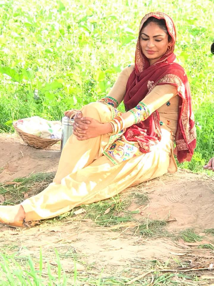 Neeru Bajwa in Laung Laachi