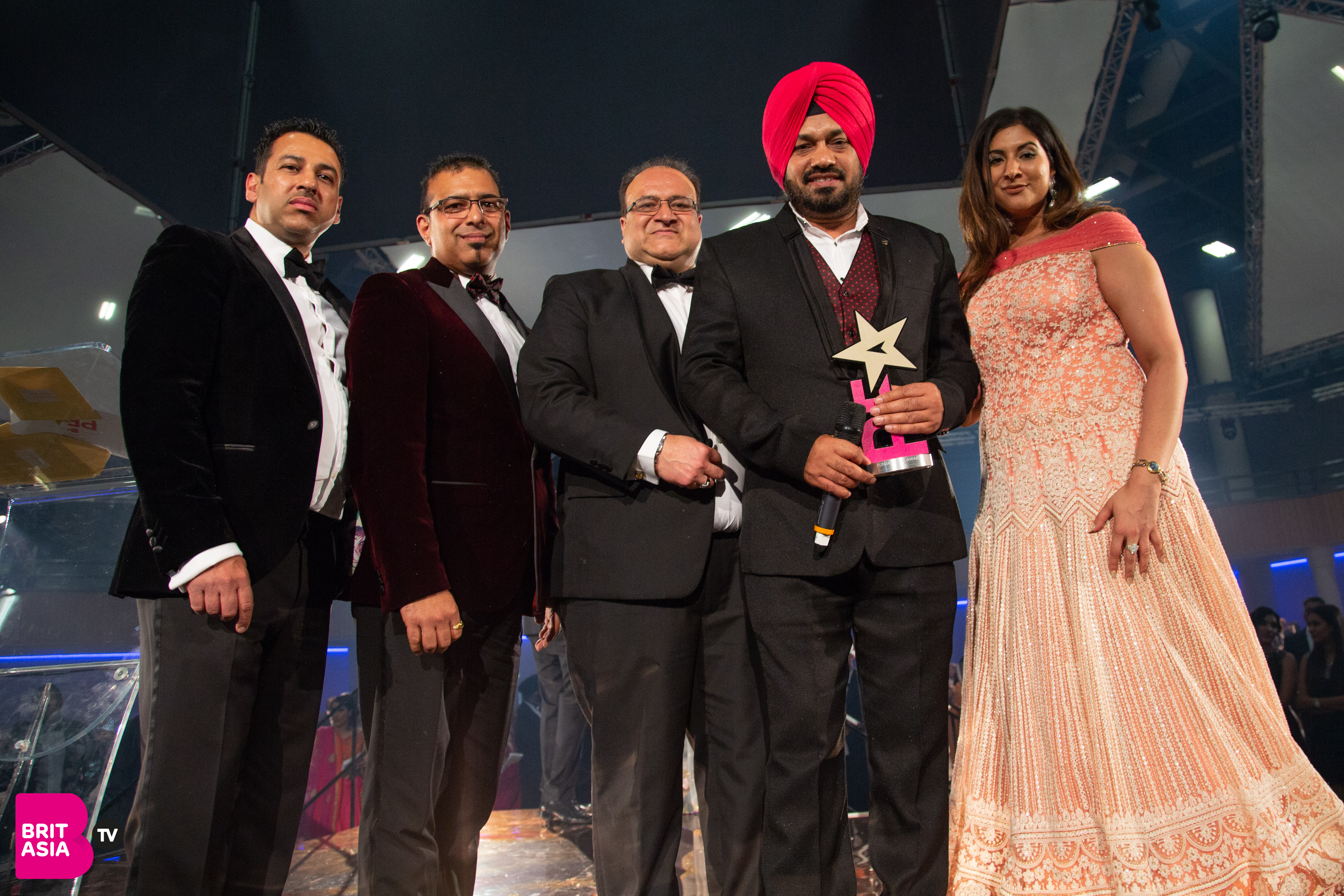 Gurpreet Ghuggi collects his award for Lifetime Achievement