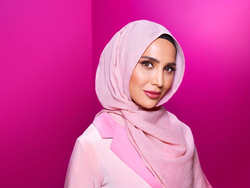 AMENA KHAN BECOMES FIST HIJAB WEARING MODEL TO STAR IN A L'OREAL HAIR CAMPAIGN