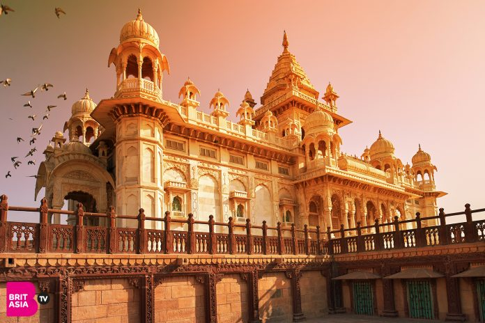 10 PLACES TO VISIT IN RAJASTHAN AND THE NORTH