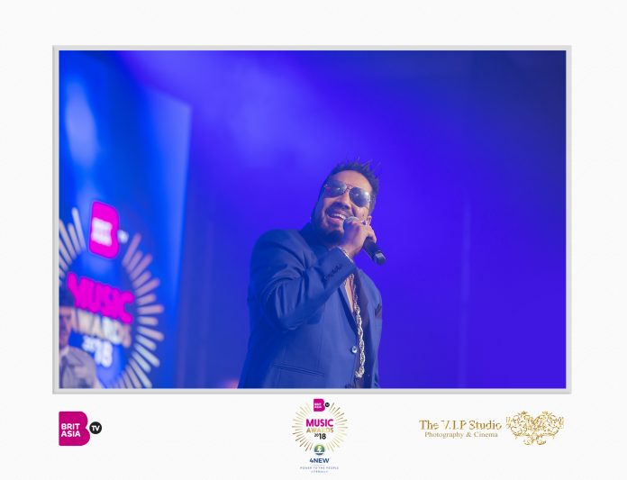 MIKA SINGH PERFORMS AT THE BRITASIA TV MUSIC AWARDS 2018 FOR THE FIRST TIME