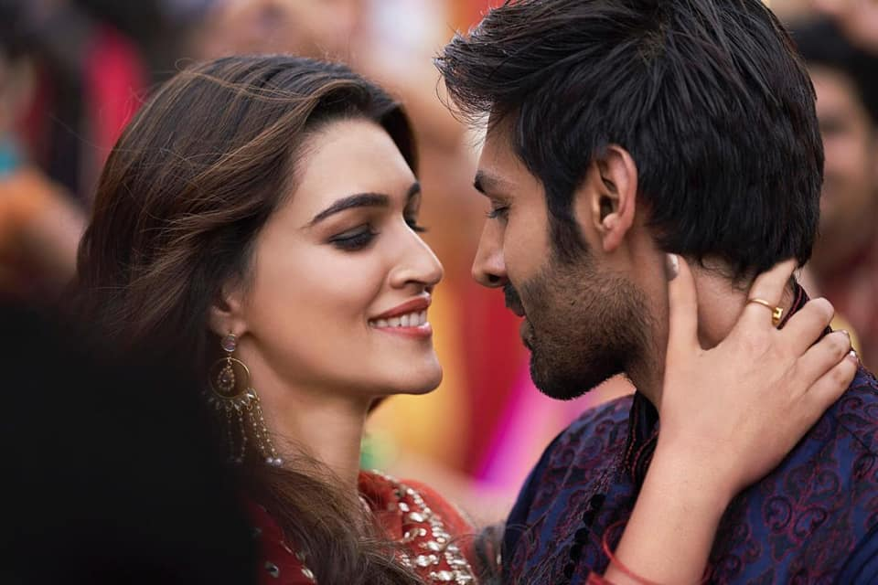 NEW RELEASE: POSTER LAGWA DO FROM THE UPCOMING MOVIE 'LUKA CHUPPI'