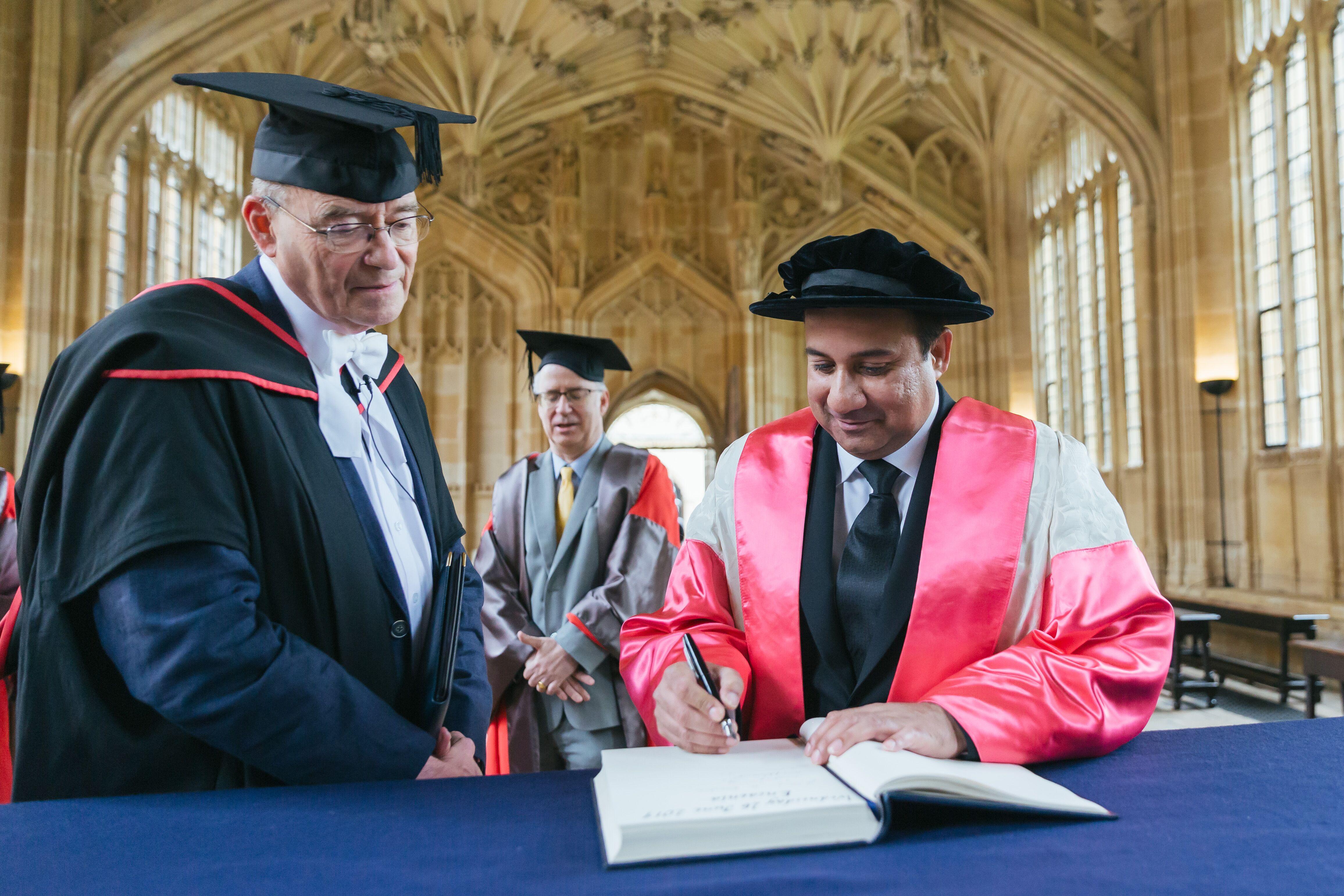rahat fateh ali khan receives honour degree